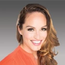 Sarah Engstrom headshot