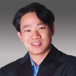 Bruce Yen headshot