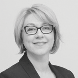 Julie Ellis headshot