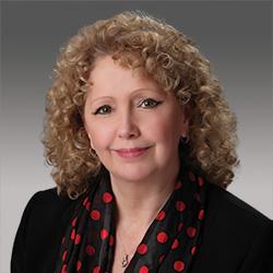 Lynne Feldpausch headshot