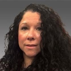 Elizabeth Reyes headshot