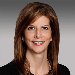 Alyse Martinelli headshot