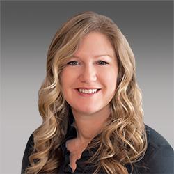 Ellen Sundra headshot