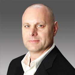 Dr. Hans Mumm headshot