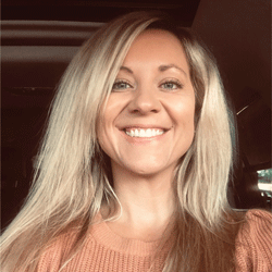 Christina Shannon headshot